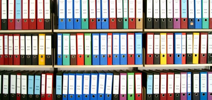 Przechowywanie dokumentów firmowych.